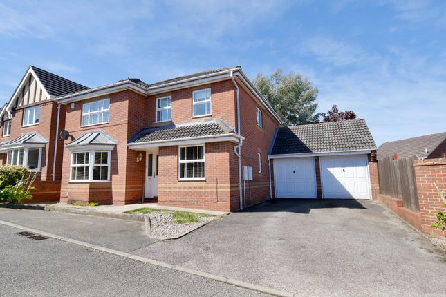 Thumbnail Detached house for sale in Grasmere, Stevenage