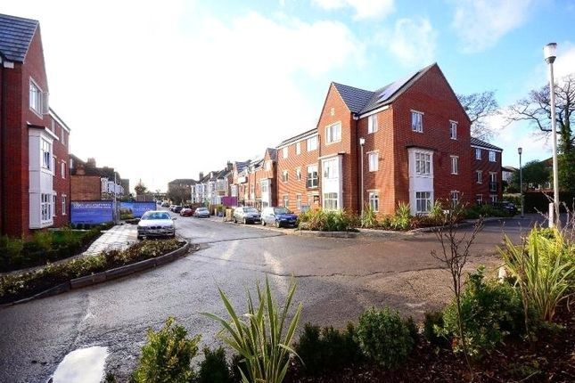 Thumbnail Flat to rent in William Court, 36 Chalfont Road, London