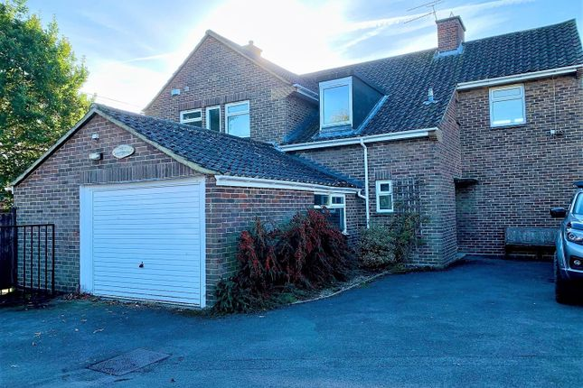 Thumbnail Detached house to rent in Verwood Close, Swindon