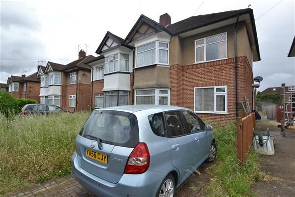 2 bed maisonette for sale in Amesbury Road, Feltham
