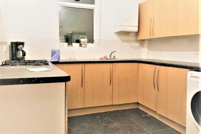 4 bed flat for sale in Deansbrook Rd, Edgware HA8