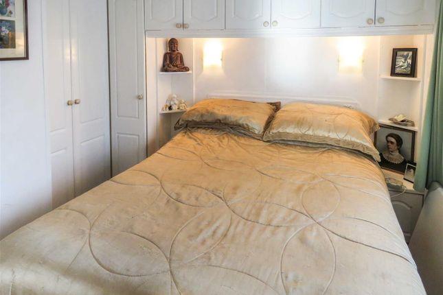 Bedroom 1 of Hartford Marina, Banks End, Wyton, Huntingdon, Cambridgeshire PE28