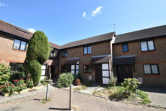 Find 2 Bedroom Houses To Rent In Crawley West Sussex Zoopla