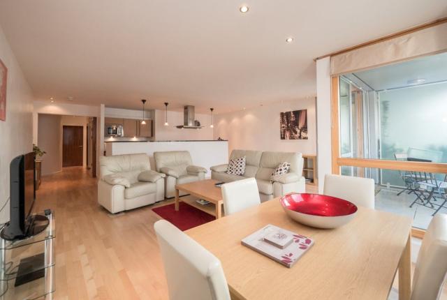 Thumbnail Flat to rent in Gardners Crescent, Fountainbridge, 8Dg