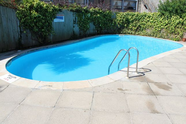 Swimming Pool of Fort Picklecombe, Maker PL10