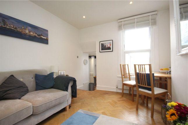 Flat for sale in Earlsfield Road, London
