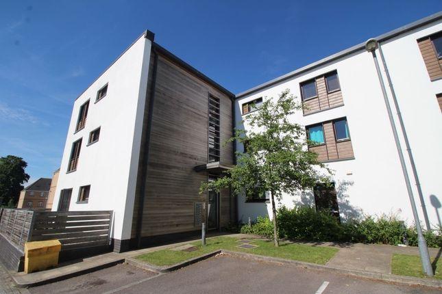 Thumbnail Flat to rent in The Courtyard, Beggarwood, Basingstoke