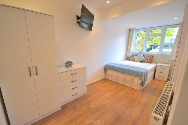 Thumbnail Room to rent in Bathurst Road, Winnersh, Wokingham, Berkshire