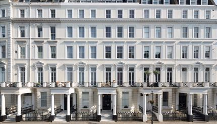 Thumbnail Flat to rent in Somerset House, Lexham Gardens