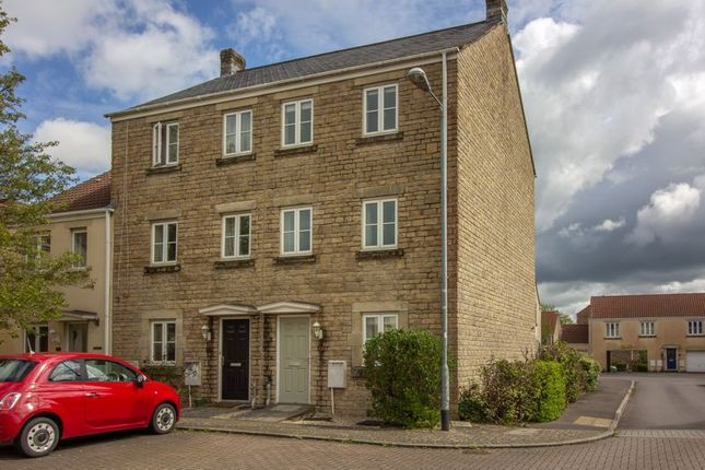 4 bed property to rent in Kersey Court, Frome BA11