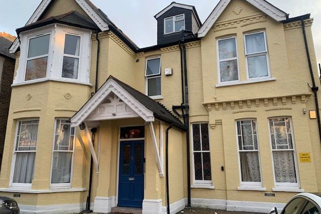 Thumbnail Flat to rent in Madeley Road, London