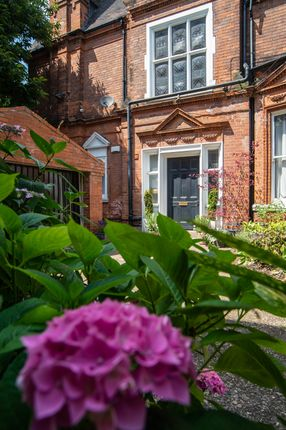 Thumbnail Flat for sale in Lenton Avenue, The Park, Nottingham