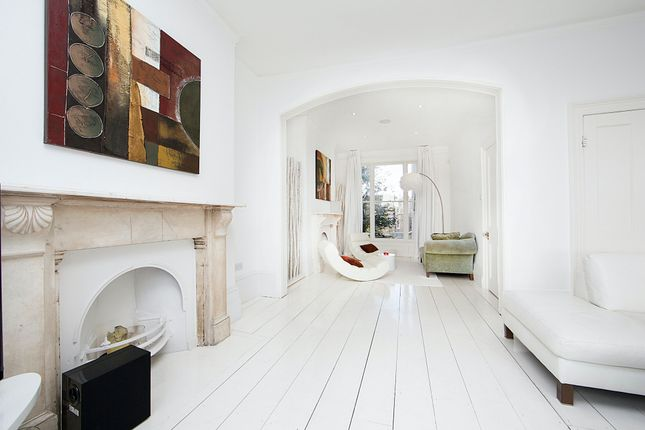 Thumbnail Town house to rent in St. Georges Road, London