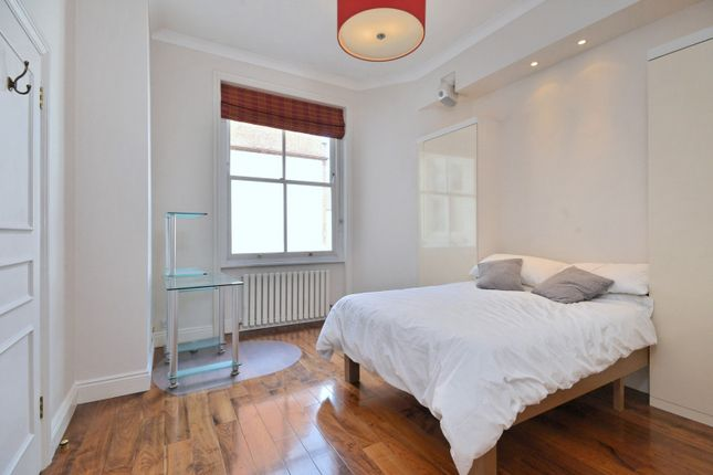 Bedroom of North Audley Street, London W1K