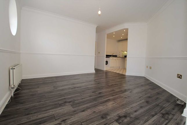 Thumbnail Flat to rent in Two Bedrooms, Two Bathrooms, Roof Terrace And Marina Views