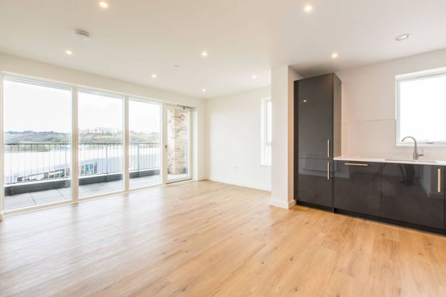 Thumbnail Flat to rent in Clarendon, Wood Green, London