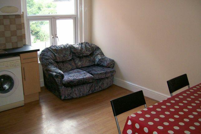 Thumbnail Flat to rent in Portswood Road, Southampton, Hampshire