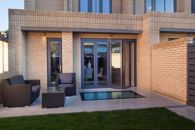 Thumbnail Town house for sale in Mayfield Road, Oxford