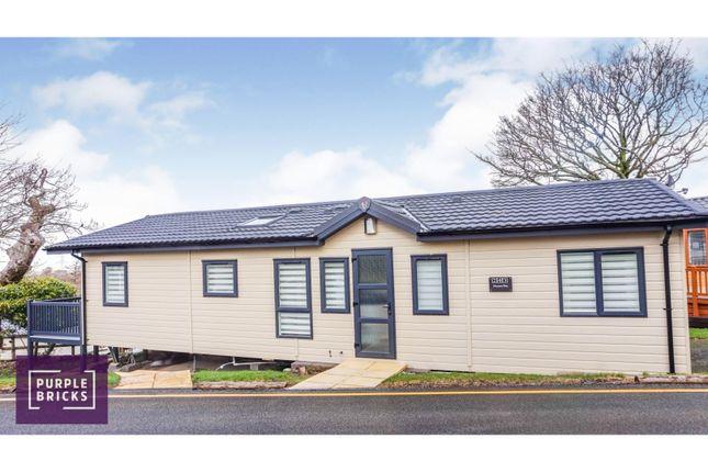 Thumbnail Mobile/park home for sale in Llanrug, Caernarfon