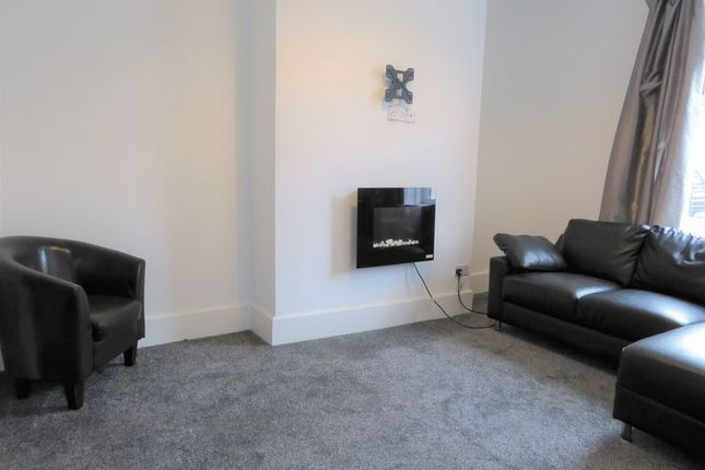 Thumbnail Flat to rent in Victoria Crescent, North Shields