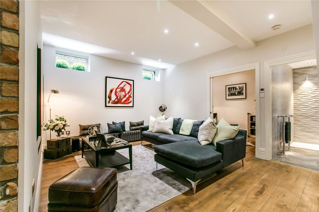 Thumbnail Maisonette for sale in Clapham Common North Side, London