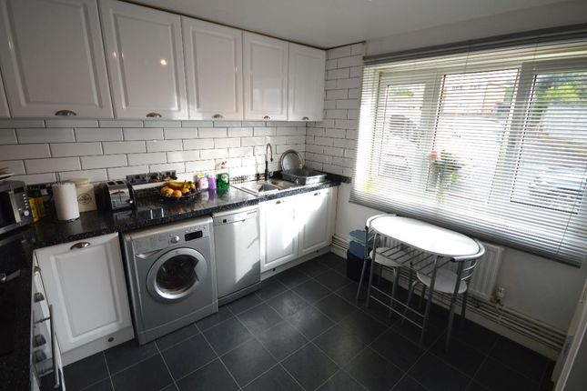 Thumbnail Flat to rent in York Close, Exmouth