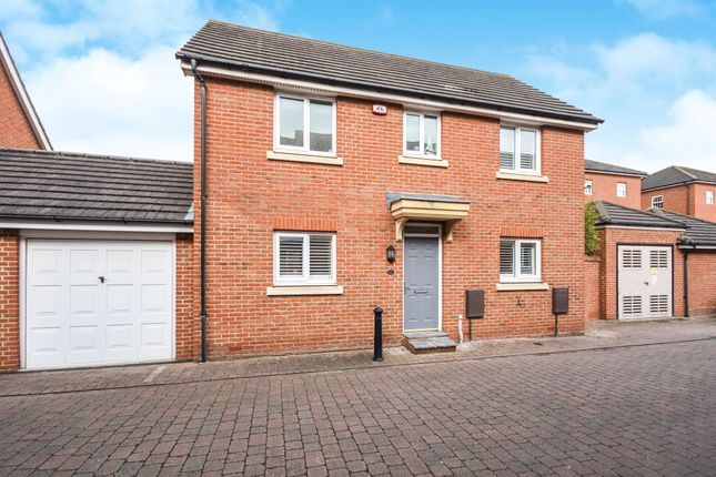 Thumbnail 3 bed detached house for sale in Baden Powell Close, Great Baddow, Chelmsford