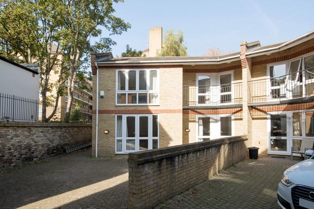 Thumbnail Town house to rent in Tabley Road, Islington, Holloway, North London
