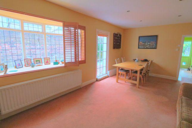 Reception Room To Kitchen