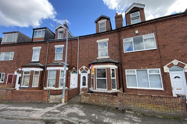 4 bed terraced house for sale in Kingsway, Goole DN14