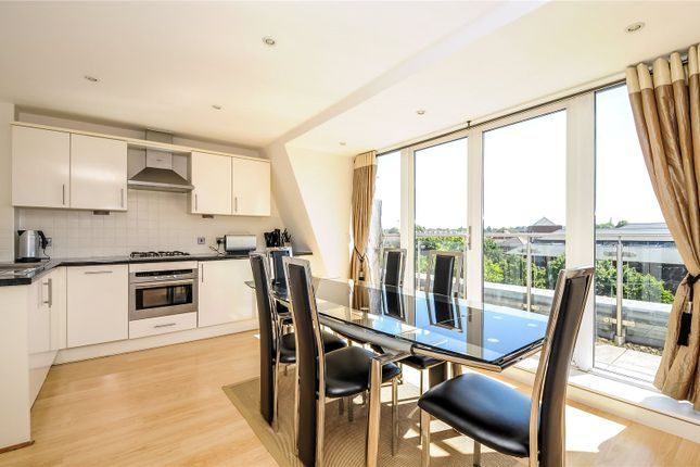 Thumbnail Flat to rent in Oyster Wharf, Crane Wharf, Reading, Berkshire