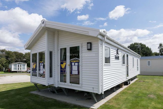 Thumbnail Lodge for sale in Colchester Road, St. Osyth, Clacton-On-Sea