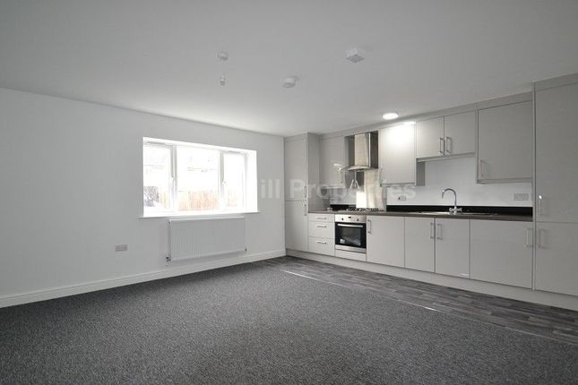 2 bed property for sale in Chalvey Grove, Slough, Berkshire.