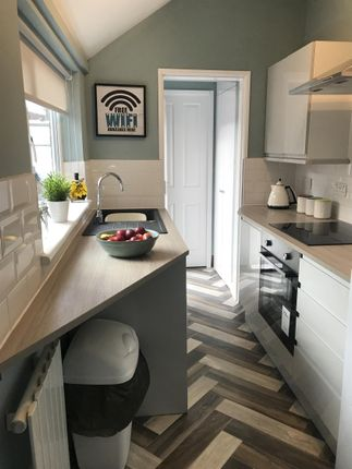 Thumbnail Shared accommodation to rent in Maple Street, Middlesbrough
