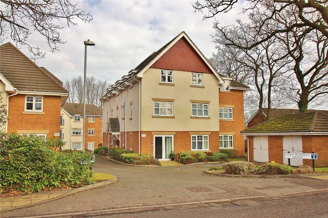 Thumbnail Maisonette for sale in Lightwater, Surrey