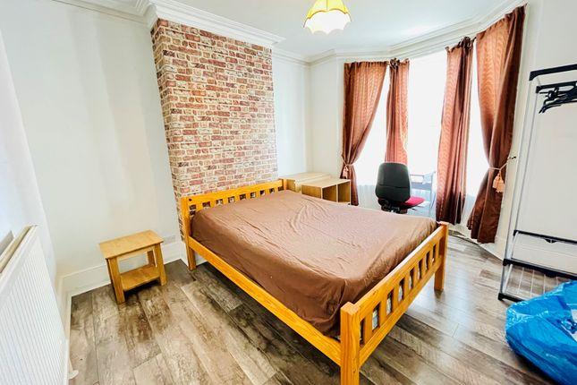 Room to rent in Edridge Road, Croydon