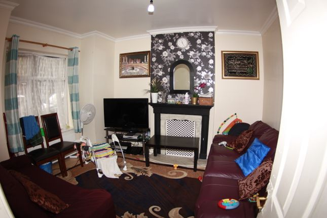 Thumbnail Terraced house for sale in Kings Road, East Ham