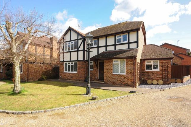 Thumbnail Detached house to rent in Dorset Vale, Warfield, Bracknell