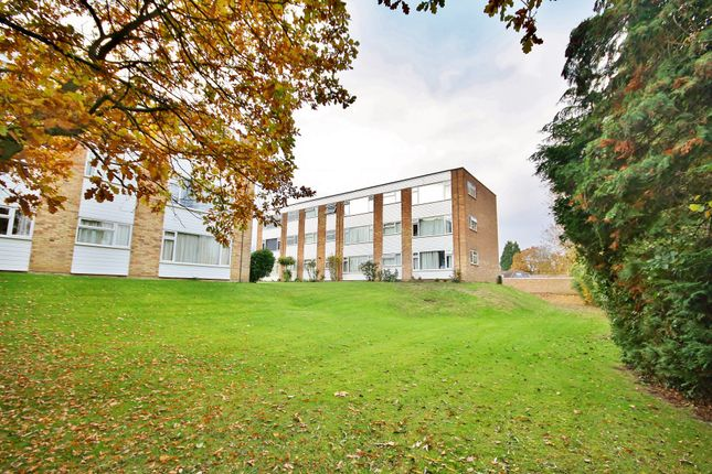 Thumbnail Flat for sale in Davos Close, Woking