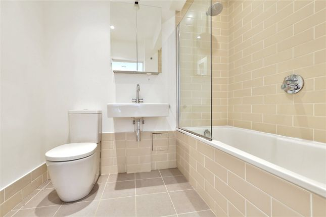 Bathroom of Highbury Crescent, Highbury, Islington, London N5