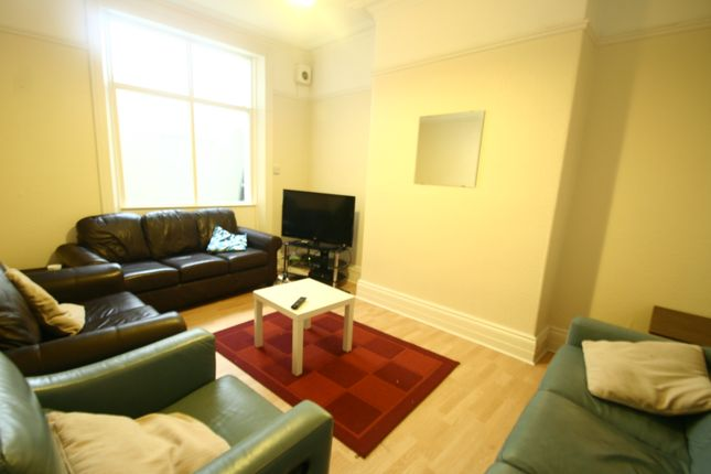 Thumbnail Town house to rent in Sandyford Road, Sandyford