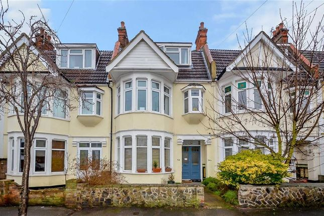 Thumbnail Flat for sale in Torquay Drive, Leigh-On-Sea, Essex