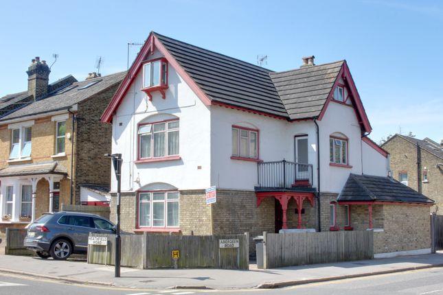 Room to rent in Heathfield Road, Croydon