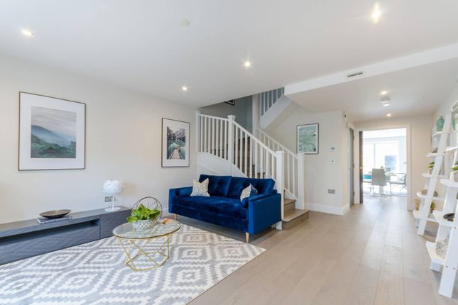 1 bed flat for sale in Borough Road, Kingston, Kingston Upon Thames KT2