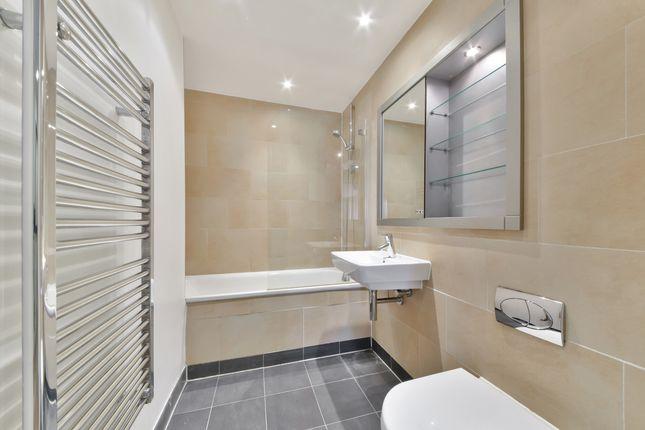 Bathroom of Axis Court, Tempus Wharf, Shad Thames SE16