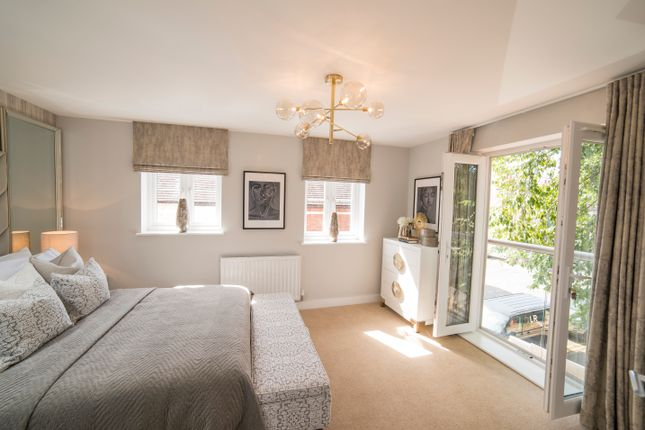 Flat for sale in St James Park Road, Northampton