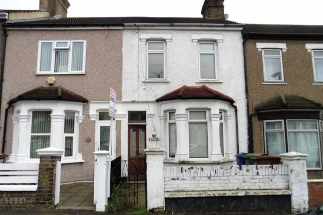 2 bed terraced house for sale in Cromwell Road, Grays