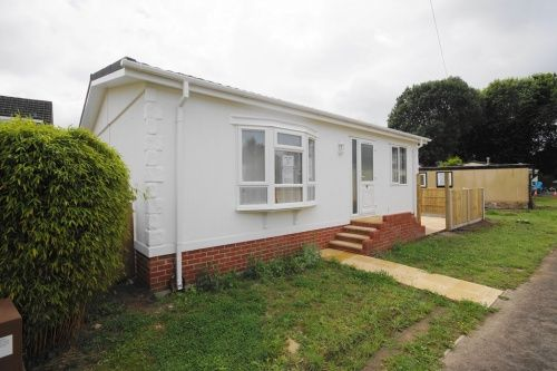 2 Bed Mobile Park Home For Sale In London Tavern Caravan Site Linford Road