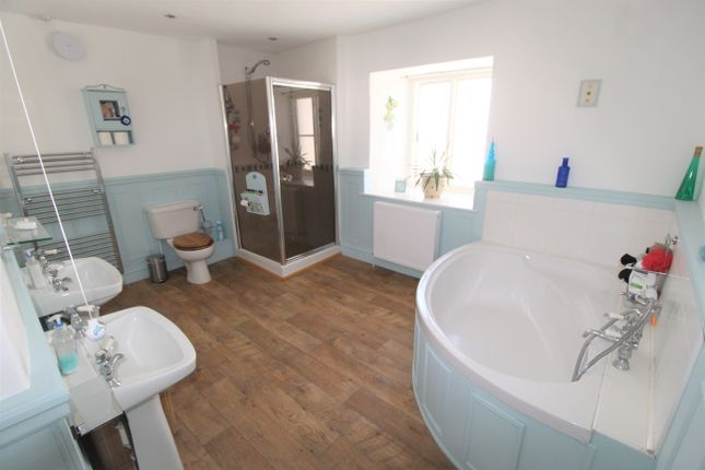Bathroom of The Square, Sheepwash, Beaworthy EX21