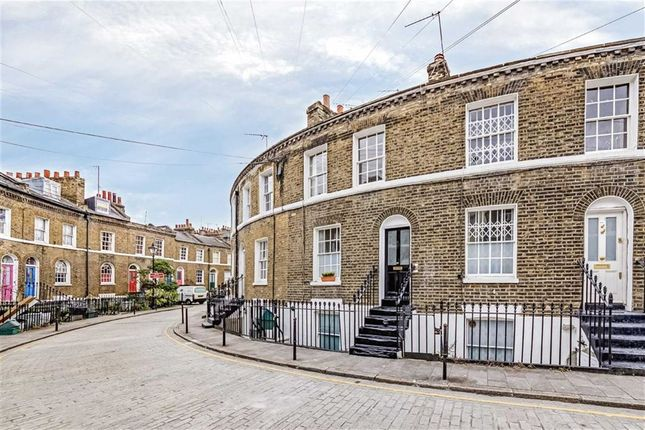 Thumbnail Property for sale in Keystone Crescent, London